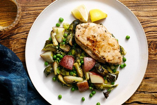 Chicken with Greens on the side