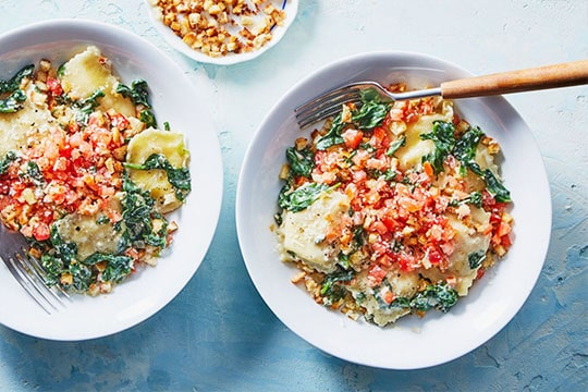 image of Cheese Ravioli Florentine with Creamed Spinach by Marley spoon