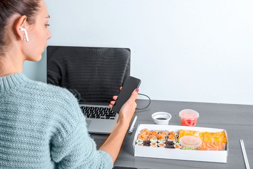 image of girl ordering food online