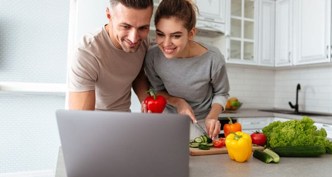 image of a couple ordering food